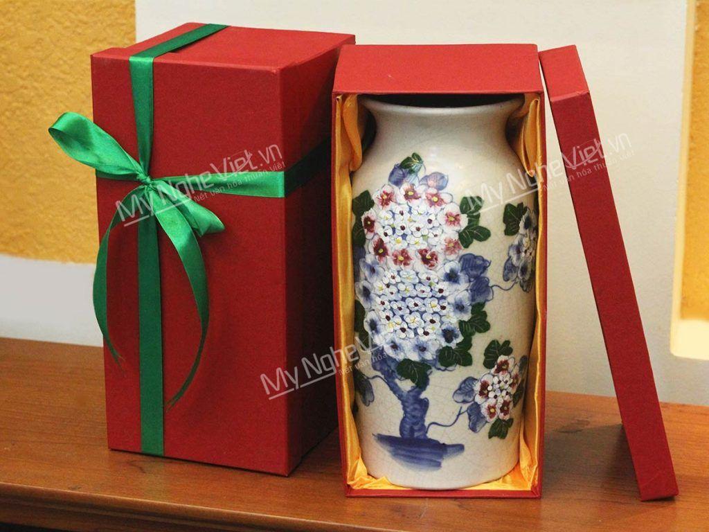 Lọ hoa gốm Bát Tràng men rạn vẽ hoa cẩm tú cầu