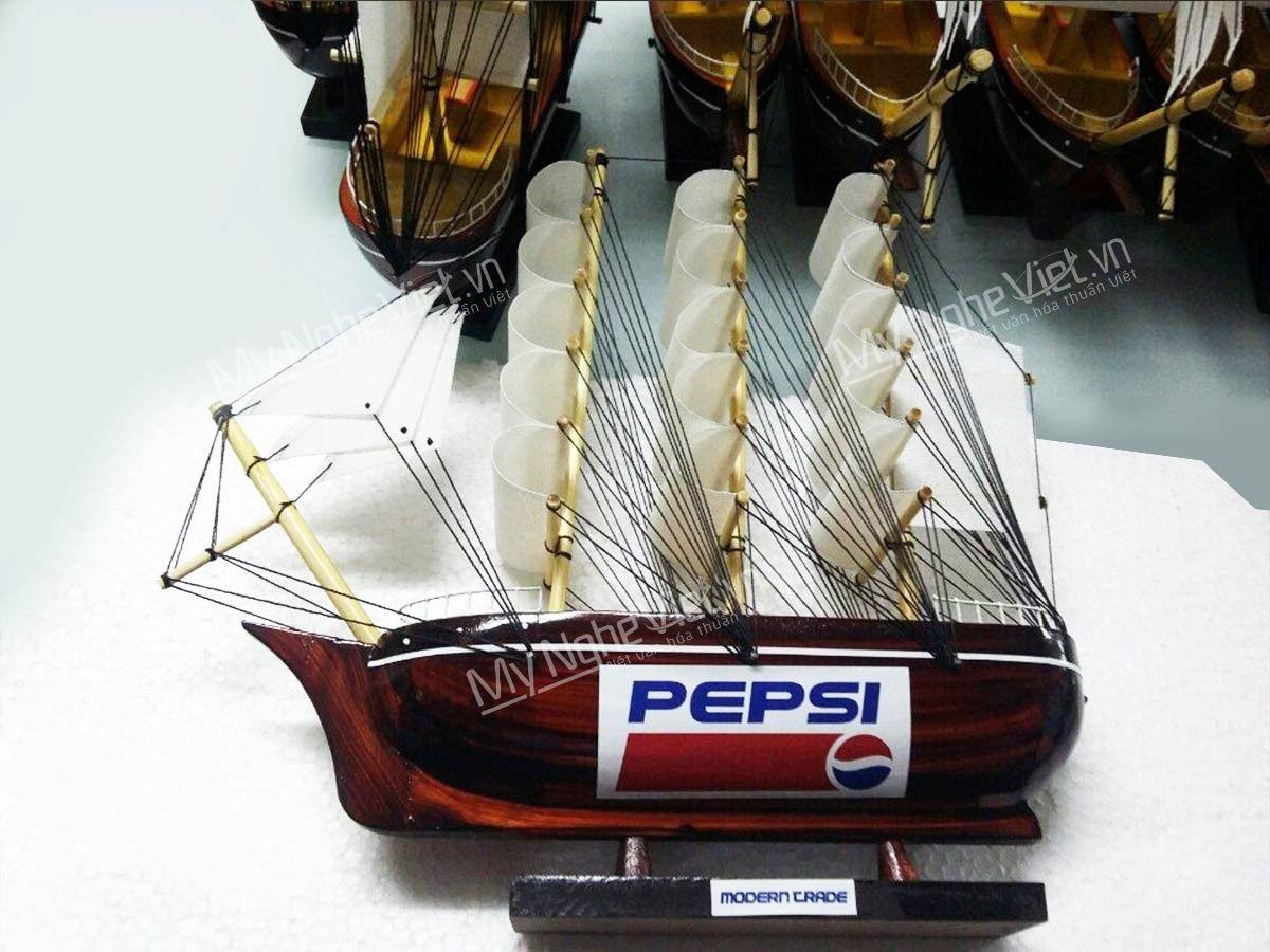 """Mô hình thuyền quà tặng """"Thuận Buồm Xuôi Gió"""""""