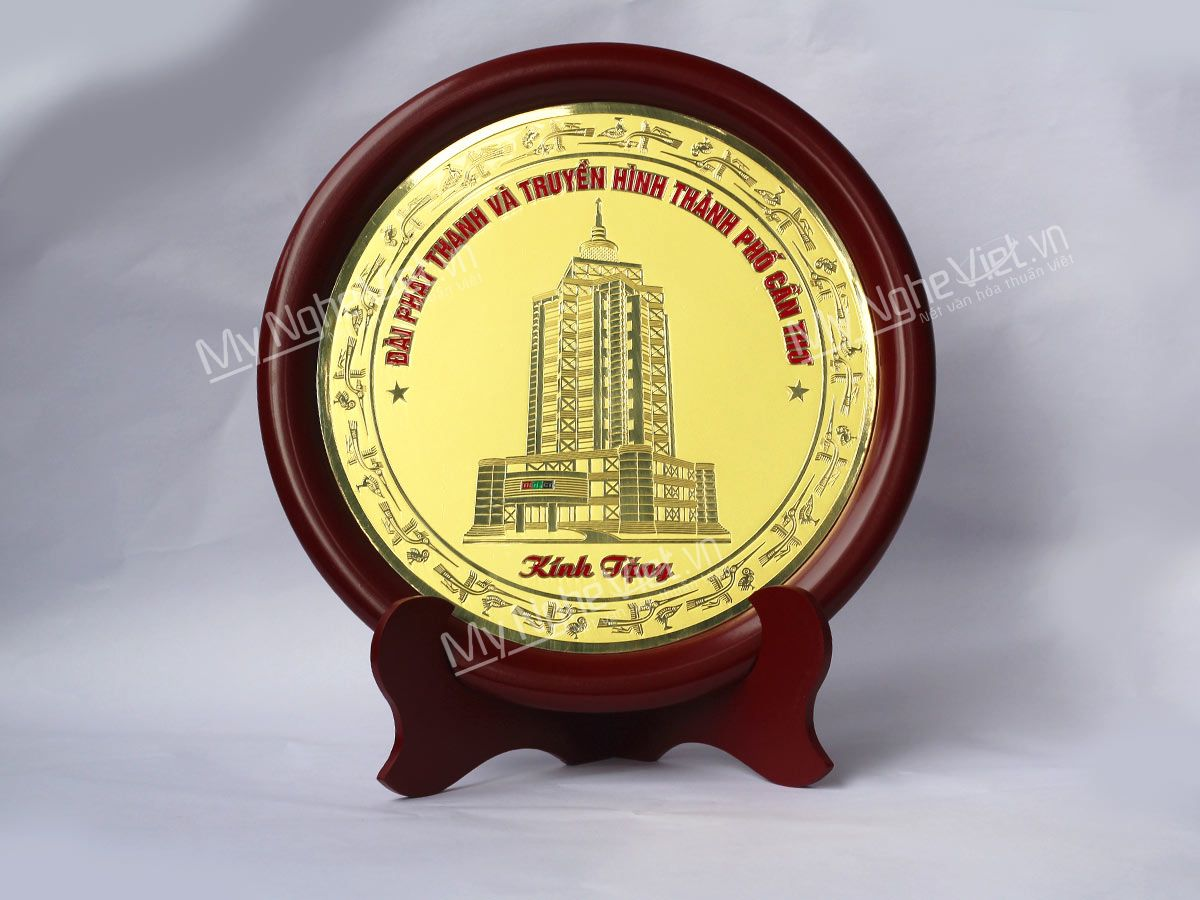Quà tặng đối tác tranh đĩa đồng