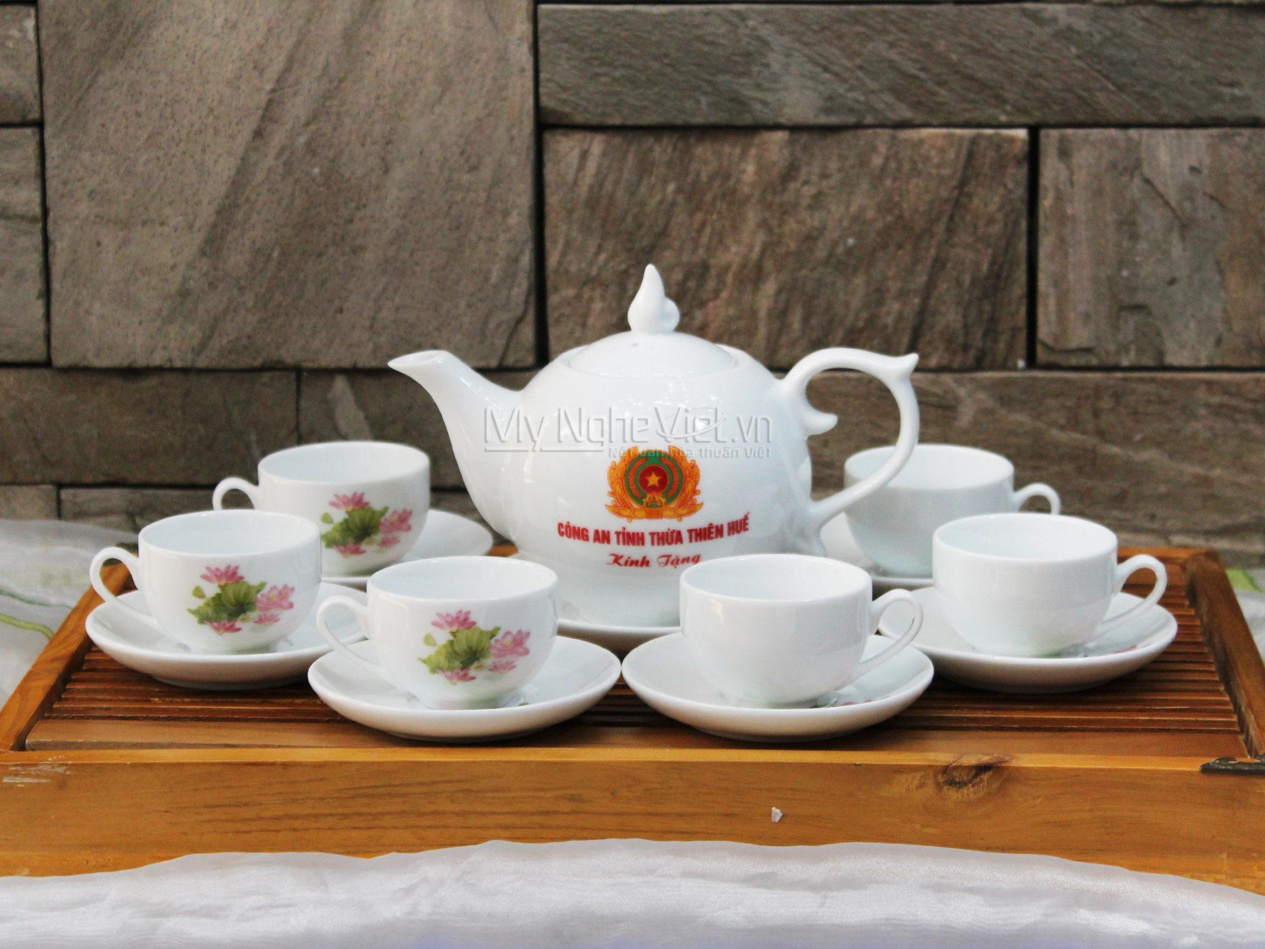 Bình trà thiết kế logo theo yêu cầu