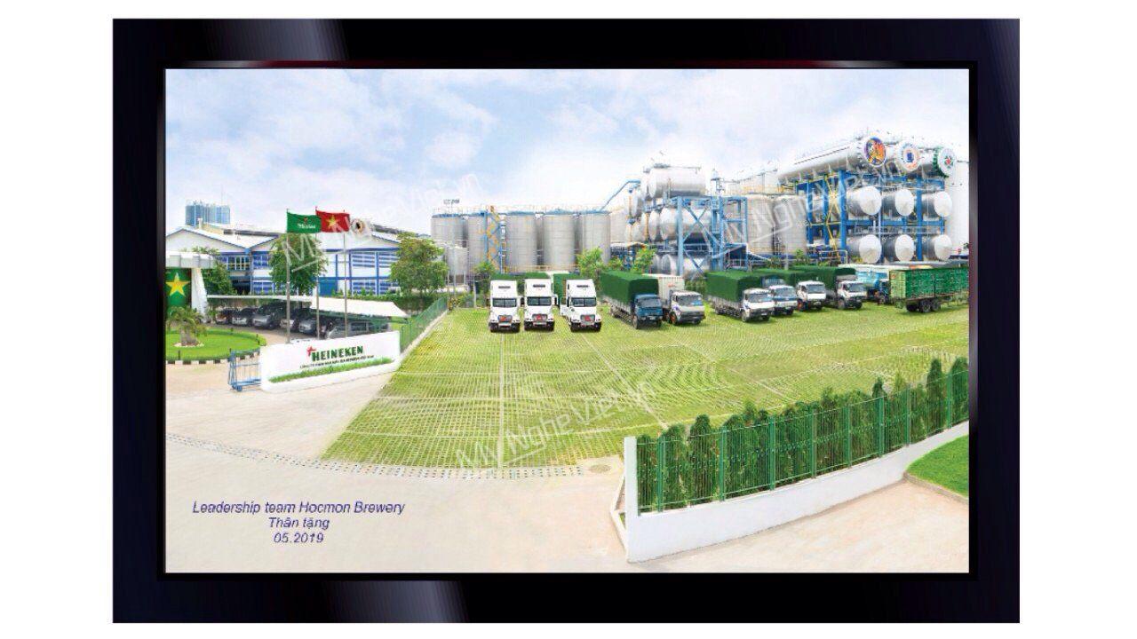Tranh Sơn Mài Nhà Máy Heineken