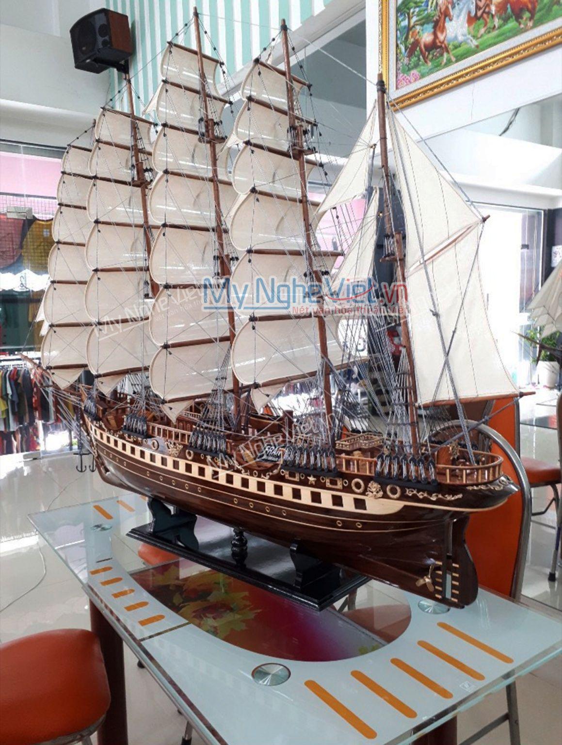Mô hình tàu thuyền France 2 gỗ đen (thân 2m) MNV-TB18-2m